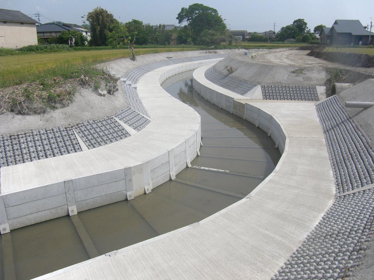 01県営農村総合整備事業(農村基盤整備型)高田地区農用排水路工事(海津1号)